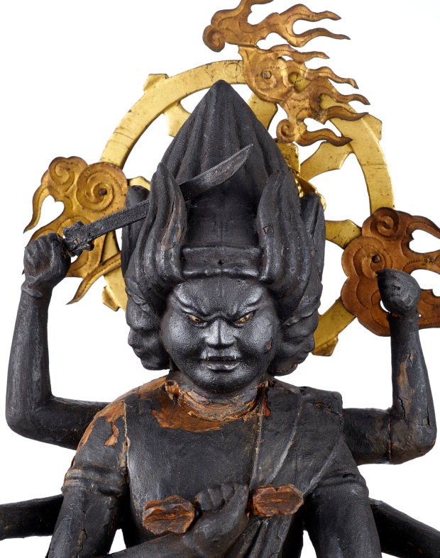 Sambō-Kojin. Divinidad de origen japonés integrada al Panteón búdico como «manifestación provisoria» . Siglo XIX. Madera H 47 cm. Musée d'ethnographie de Genève. Photo : J. Watts