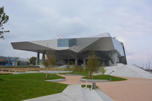 Vista del Museo des Confluences desde la punta de la Presqu'ïle