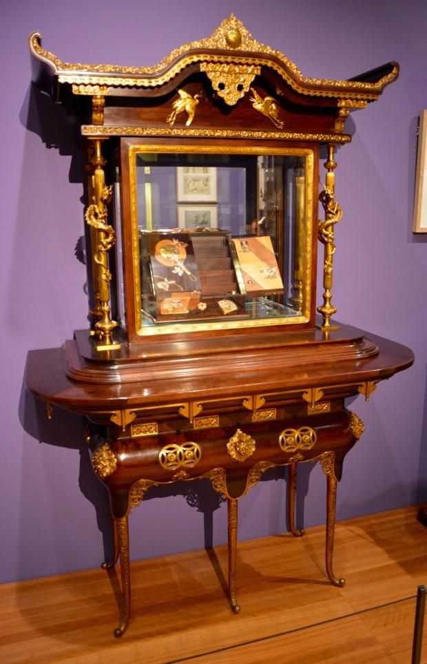 "Mueble-vitrina por ""Édouard Lièvre"", circa 1878."