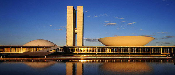 niemeyer_0_central_-_brasilia_congres_national-1b5f2